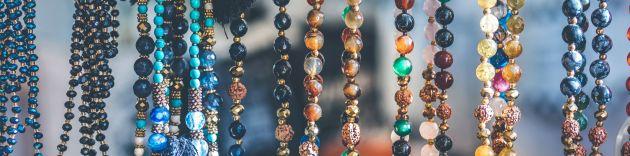 beads at market